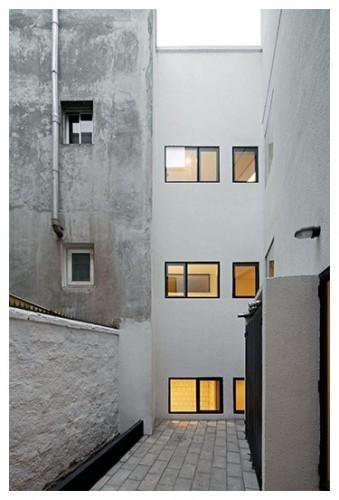 Edificio Rafael Cañas 13