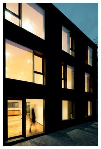 Edificio Rafael Cañas 17